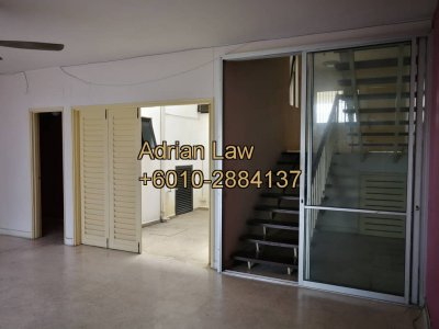 Split level basic townhouse in Taman Seputeh